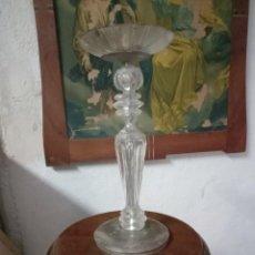 Antigüedades: ANTIGUO CANDELABRO DE METACRILATO Y METAL. Lote 256159075