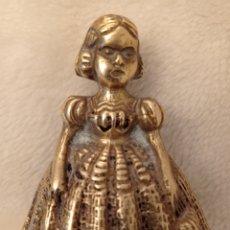 Antigüedades: ANTIGUA CAMPANA, EN BRONCE, DAMA VICTORIANA, BUEN SONIDO.. Lote 256165560