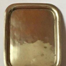 Antigüedades: ANTIGUA BANDEJA DE BRONCE. Lote 257271925