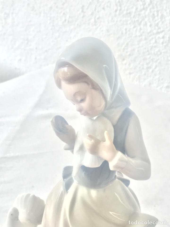 Antigüedades: PORCELANA FINA DE LLADRO. MUJER CON PALOMAS. - Foto 6 - 257295415