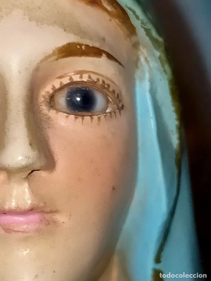 Antigüedades: PREOCIOSA VIRGEN DE LOURDES OJOS CRISTAL PEANA DE MADERA 35,5 CM ALTURA - Foto 5 - 257338340