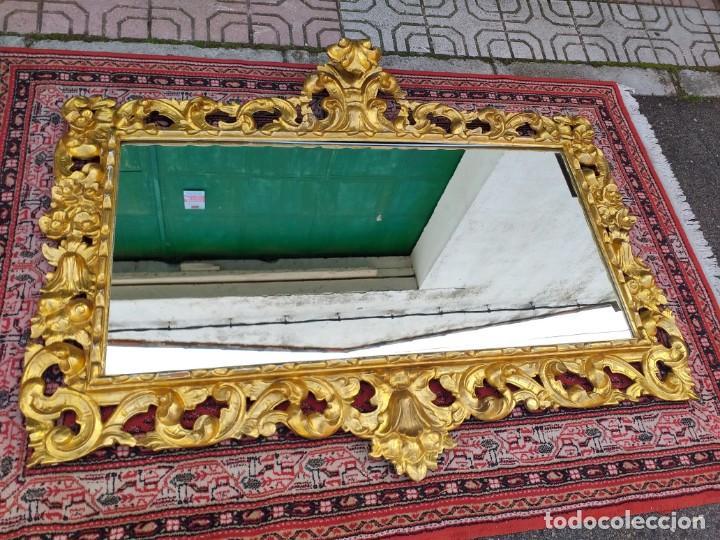 Antigüedades: Espejo antiguo pan de oro 160cm estilo barroco sXIX Gran espejo dorado madera tallada estilo Luis XV - Foto 13 - 257349065