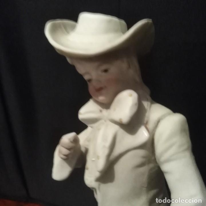 Antigüedades: Antigua figura de porcelana de biscuit - Foto 2 - 257355550