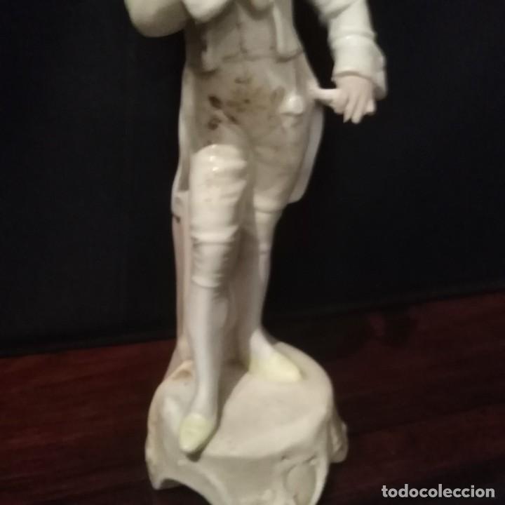 Antigüedades: Antigua figura de porcelana de biscuit - Foto 3 - 257355550