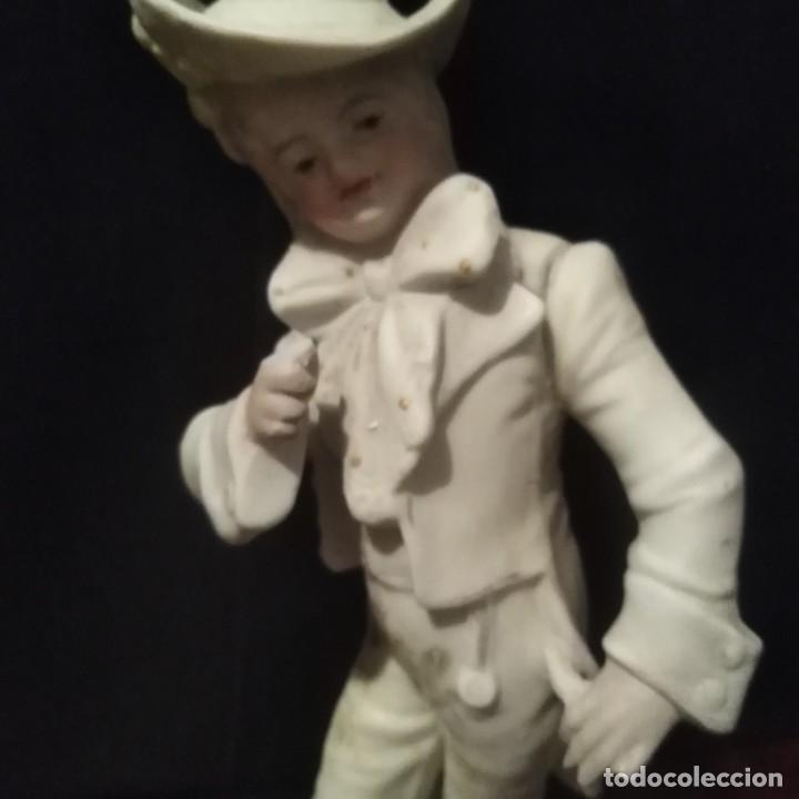 Antigüedades: Antigua figura de porcelana de biscuit - Foto 4 - 257355550