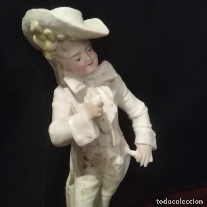 Antigüedades: Antigua figura de porcelana de biscuit - Foto 5 - 257355550