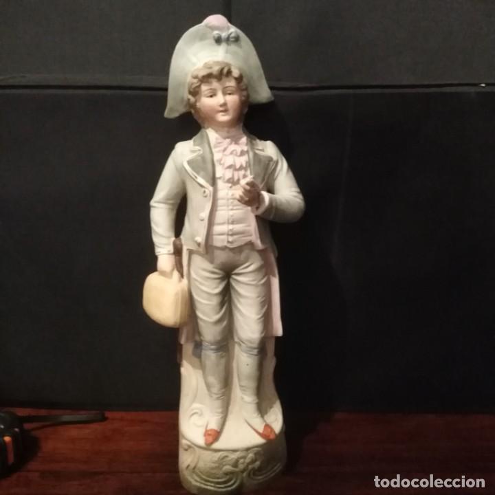 Antigüedades: Antigua figura de porcelana de biscuit - Foto 5 - 257356240