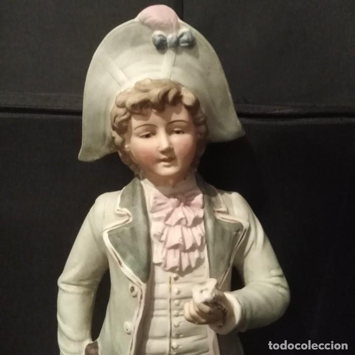 Antigüedades: Antigua figura de porcelana de biscuit - Foto 6 - 257356240