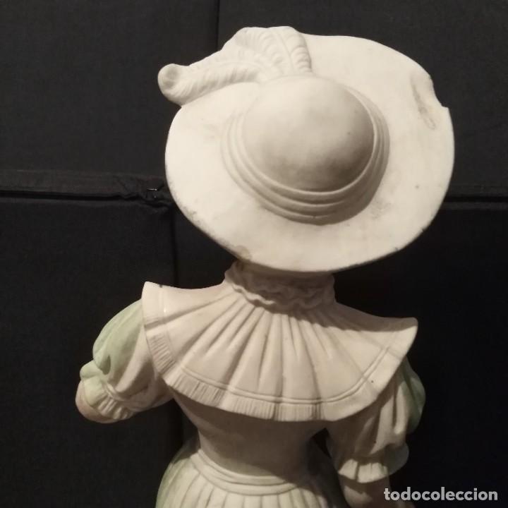 Antigüedades: Antigua figura de porcelana de biscuit - Foto 8 - 257356275