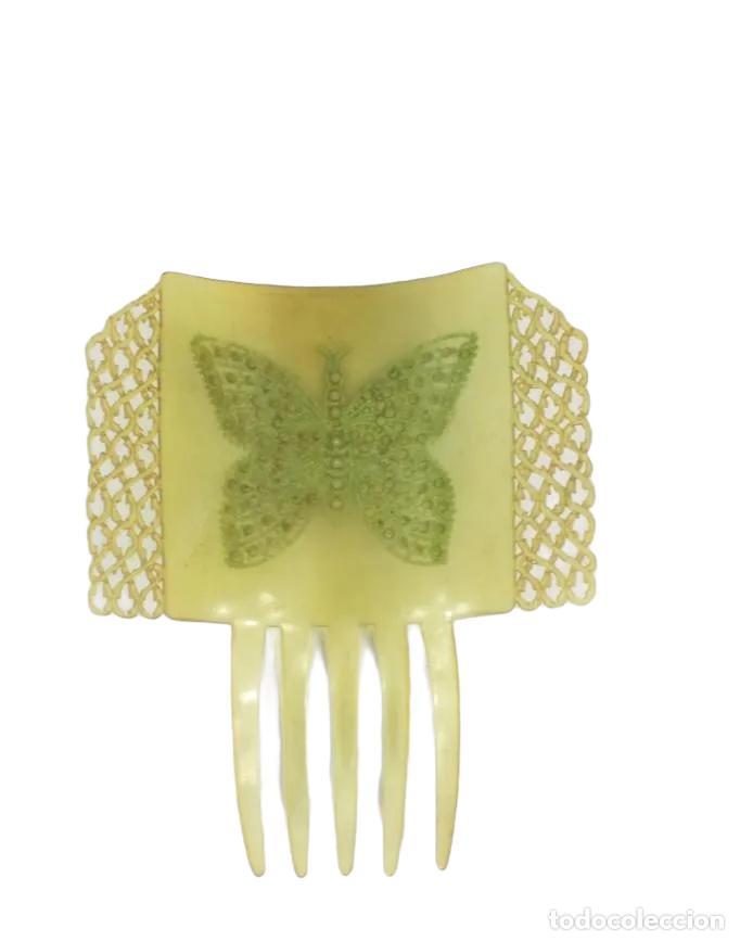 Antigüedades: Peineta Mariposa Art Nouveau calada a mano con decoración en pedrería. 15x12 teja 8.5x12cm pps SXX - Foto 2 - 240785375