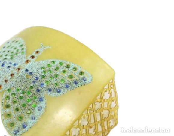 Antigüedades: Peineta Mariposa Art Nouveau calada a mano con decoración en pedrería. 15x12 teja 8.5x12cm pps SXX - Foto 4 - 240785375