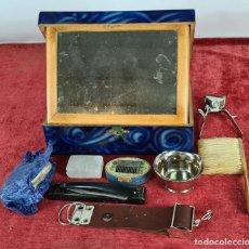 Antigüedades: SET DE VIAJE PARA CABALLERO. CAJA EN MADERA LACADA. CIRCA 1920.. Lote 257388065