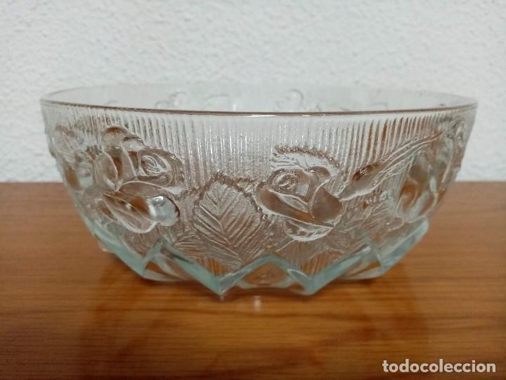 Antigüedades: Antigua ensaladera,frutero,fuente,de cristal tallado de Covetro Italy,años 80 - Foto 2 - 257403015