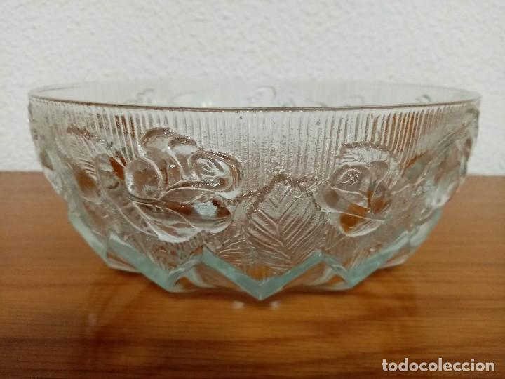 Antigüedades: Antigua ensaladera,frutero,fuente,de cristal tallado de Covetro Italy,años 80 - Foto 4 - 257403015