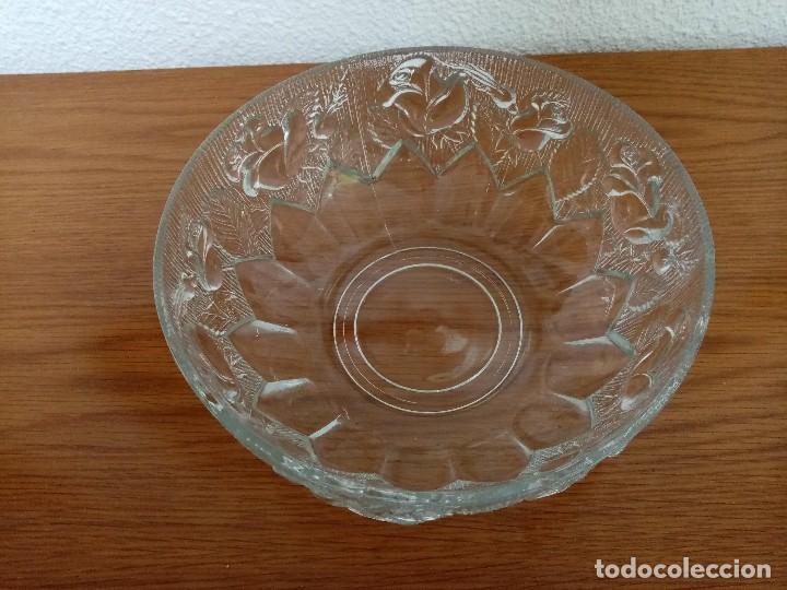 Antigüedades: Antigua ensaladera,frutero,fuente,de cristal tallado de Covetro Italy,años 80 - Foto 5 - 257403015