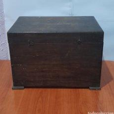 Antigüedades: BAÚL DE MADERA ANTIGUO , 33 X 23 X 21 CM. VER FOTOS.. Lote 257415595