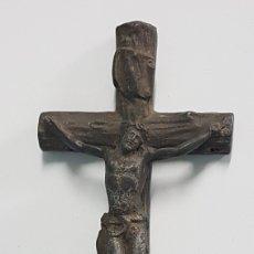 Antigüedades: CRUCIFIJO ANTIGUO DE HIERRO Y ORO. Lote 257416765