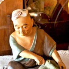 Antigüedades: FIGURA DE CERÁMICA JAPONESA. Lote 257428180