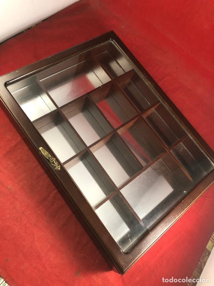 BONITA VITRINA EXPOSITOR CON ESPEJO (Antigüedades - Muebles Antiguos - Vitrinas Antiguos)