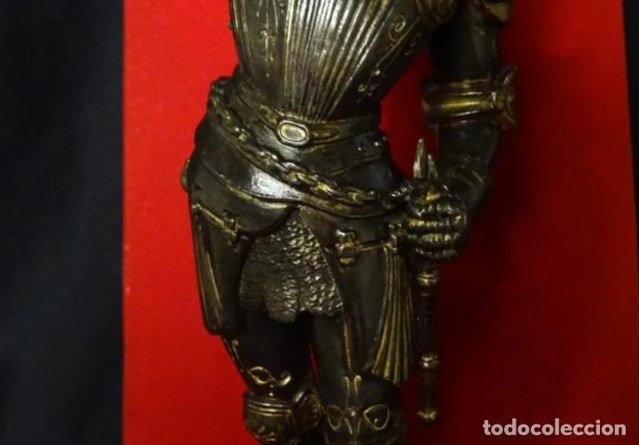 Antigüedades: 38 cmts.-Candelero figura caballero con armadura, policromia. S. XIX.Guerrero.escultura.candelabro - Foto 7 - 257440170