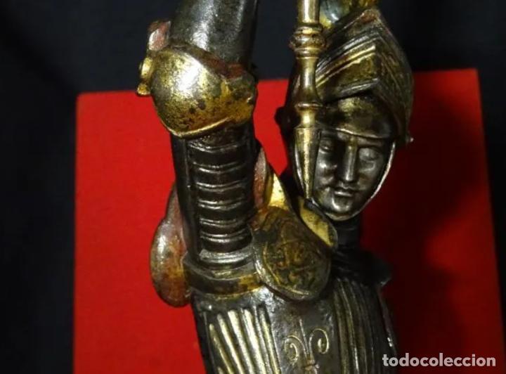 Antigüedades: 38 cmts.-Candelero figura caballero con armadura, policromia. S. XIX.Guerrero.escultura.candelabro - Foto 9 - 257440170