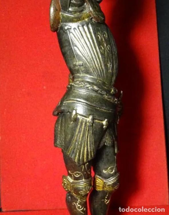 Antigüedades: 38 cmts.-Candelero figura caballero con armadura, policromia. S. XIX.Guerrero.escultura.candelabro - Foto 10 - 257440170