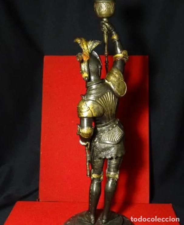 Antigüedades: 38 cmts.-Candelero figura caballero con armadura, policromia. S. XIX.Guerrero.escultura.candelabro - Foto 12 - 257440170