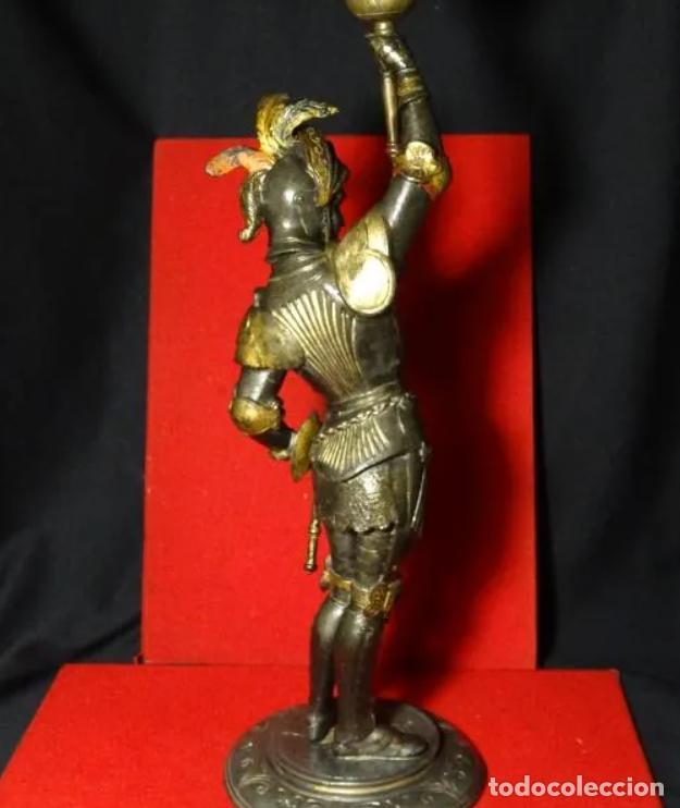 Antigüedades: 38 cmts.-Candelero figura caballero con armadura, policromia. S. XIX.Guerrero.escultura.candelabro - Foto 14 - 257440170