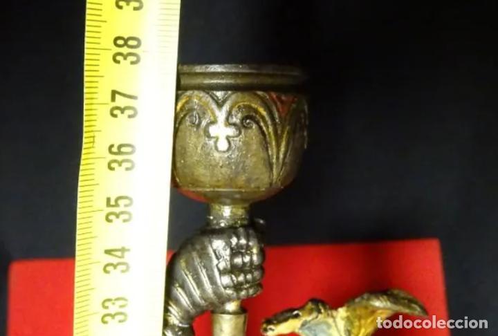 Antigüedades: 38 cmts.-Candelero figura caballero con armadura, policromia. S. XIX.Guerrero.escultura.candelabro - Foto 19 - 257440170