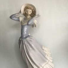 Antigüedades: GRAN FIGURA DE PORCELANA DE LA CASA LLADRO, MUJER.. Lote 257460235
