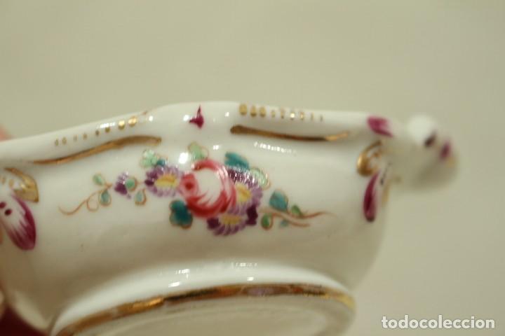 Antigüedades: Salero de porcelana francesa de Sèvres (1753 a 1824) con cuchara de plata - Foto 8 - 257462805