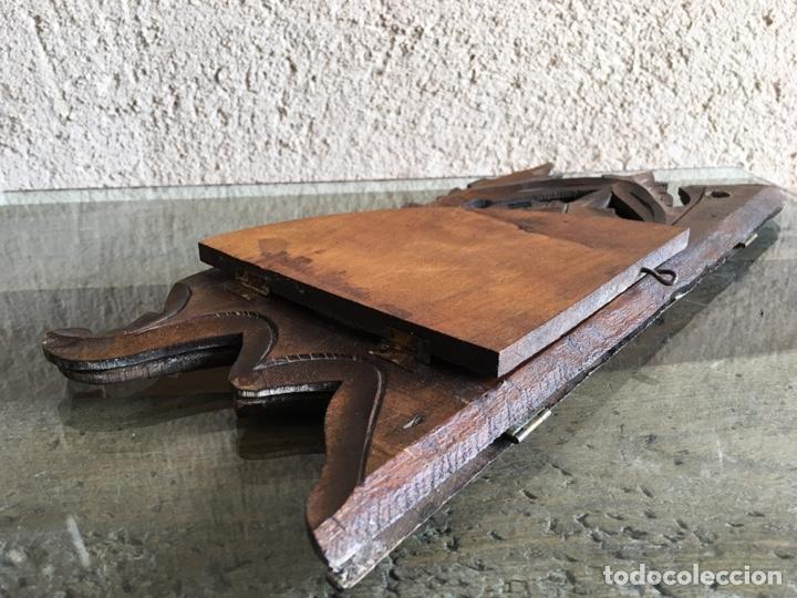 Antigüedades: Ménsula pedestal peana base estante rinconera antiguo plegable de madera de frutal para Virgen Santo - Foto 7 - 257475275