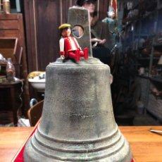 Antigüedades: GRAN CAMPANA DE BRONCE 5,3 KG. Lote 257532450