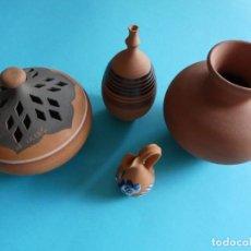 Antigüedades: CONJUNTO DE 4 PIEZAS DE CERAMICA BARRO COCIDO - VER FOTOS. Lote 257589655