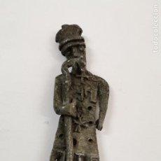 Antigüedades: FIGURA RELIGIOSA ARTESANAL EN PLOMO. 9 CM. MEDIADOS S.XX.. Lote 257603650