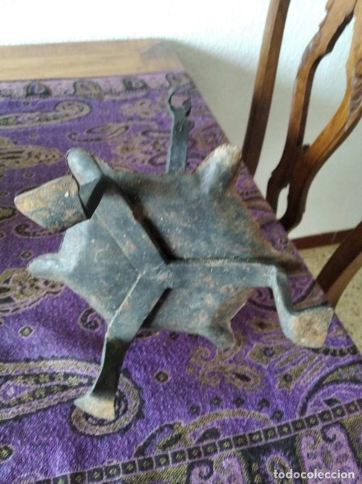 Antigüedades: Candelero - Hierro (fundido/forjado) - Segunda mitad del siglo XIX - Foto 7 - 257635570