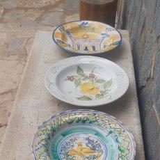 Antigüedades: CUATRO BONITOS PLATOS DEL IMPORTANTE ALFARERO LARIO. Lote 257641590
