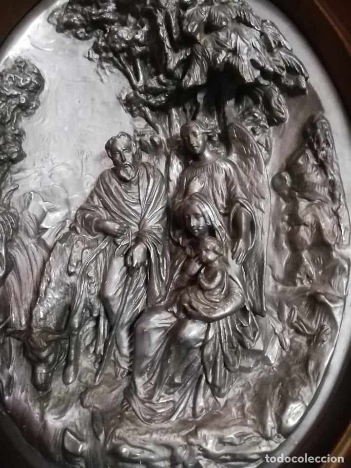 Antigüedades: Óvalo S. XIX Sagrada Familia huida a Egipto. 42 X 35 cms. - Foto 2 - 257708470