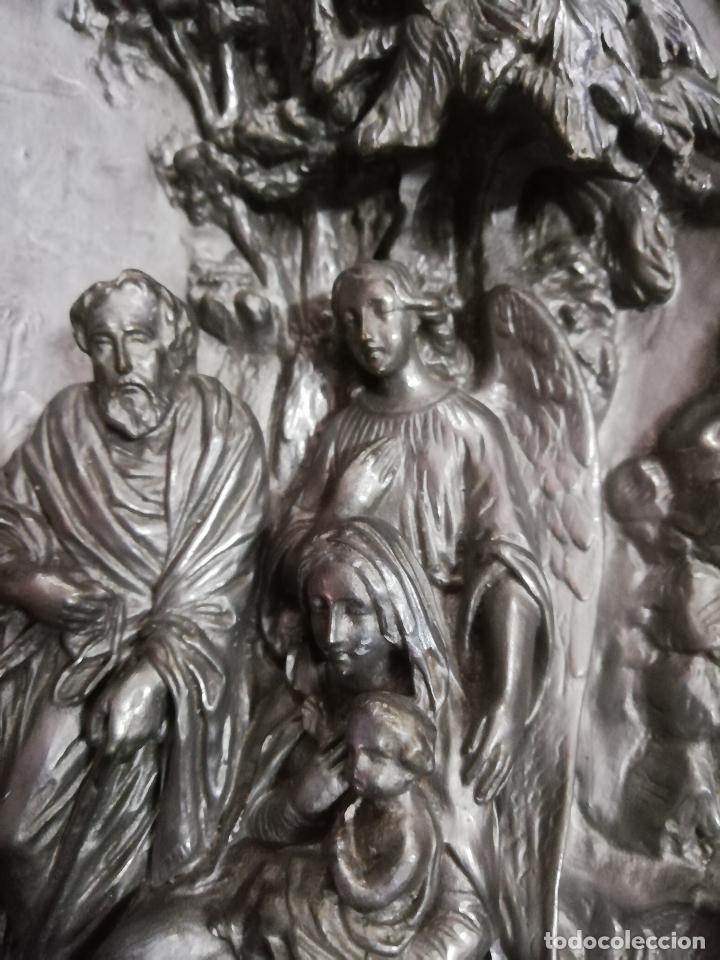 Antigüedades: Óvalo S. XIX Sagrada Familia huida a Egipto. 42 X 35 cms. - Foto 3 - 257708470