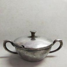 Antigüedades: AZUCARERO DE METAL PLATEADO, ALPACA, CON TAPA Y CUCHARILLA, MARCAS EN LA BASE, 14 CM DE DIÁMETRO. Lote 257732060