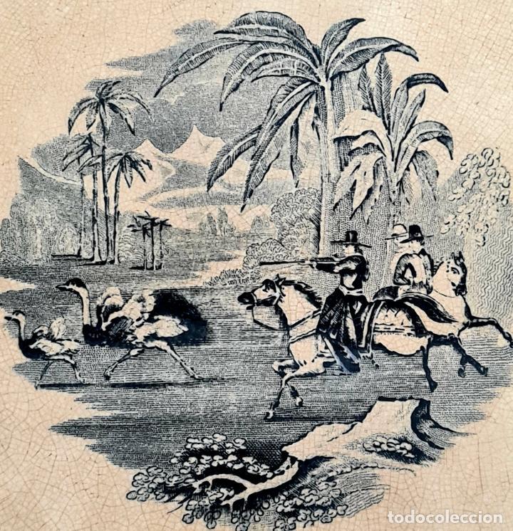 Antigüedades: DE COLECCION,INUSUAL FUENTE,BANDEJA LA CAZA DEL AVESTRUZ,CARTAGENA,(MURCIA),S.XIX - Foto 2 - 257734880