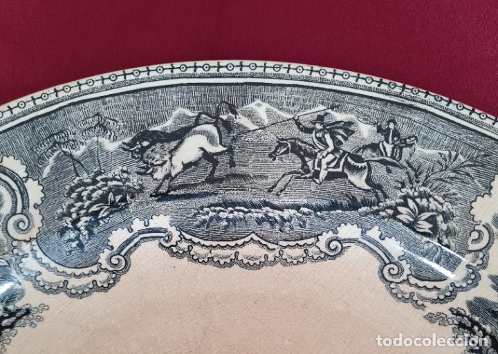 Antigüedades: DE COLECCION,INUSUAL FUENTE,BANDEJA LA CAZA DEL AVESTRUZ,CARTAGENA,(MURCIA),S.XIX - Foto 3 - 257734880
