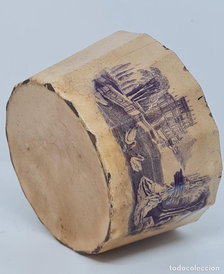MUY BONITA PIEZA EN MALVA DE LA FABRICA DE LA AMISTAD,CARTAGENA,(MURCIA),S. XIX (Antigüedades - Porcelanas y Cerámicas - Cartagena)