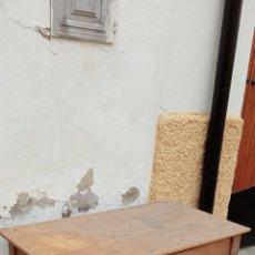 Antigüedades: MESA DE COCINA ANTIGUA. Lote 258136770