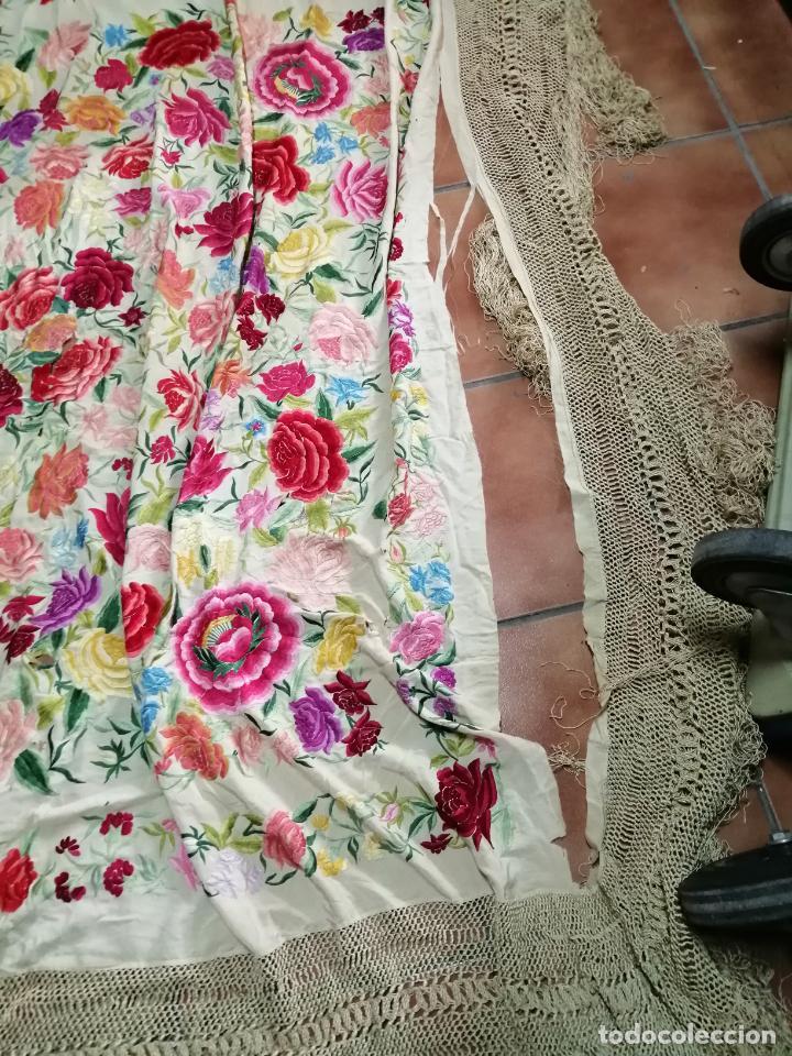 Antigüedades: Espectacular mantón de manila, 2,50 mts, tiene rotura. - Foto 2 - 258497350
