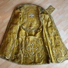 Antigüedades: CAPA PLUVIAL BORDADA EN ORO FINO PARA PASAR. Lote 258510515