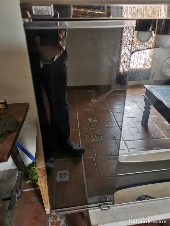 Antigüedades: Mueble de baño metálico marca metalkris. Años 70.practicamente nuevo - Foto 6 - 258548560