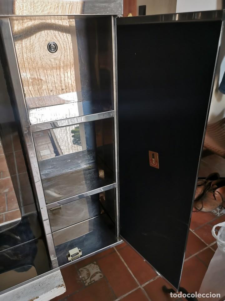 Antigüedades: Mueble de baño metálico marca metalkris. Años 70.practicamente nuevo - Foto 12 - 258548560