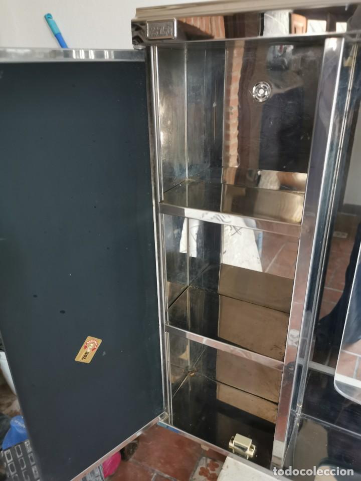 Antigüedades: Mueble de baño metálico marca metalkris. Años 70.practicamente nuevo - Foto 15 - 258548560