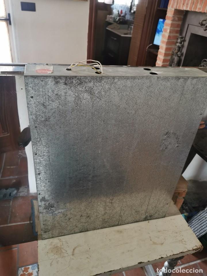 Antigüedades: Mueble de baño metálico marca metalkris. Años 70.practicamente nuevo - Foto 19 - 258548560